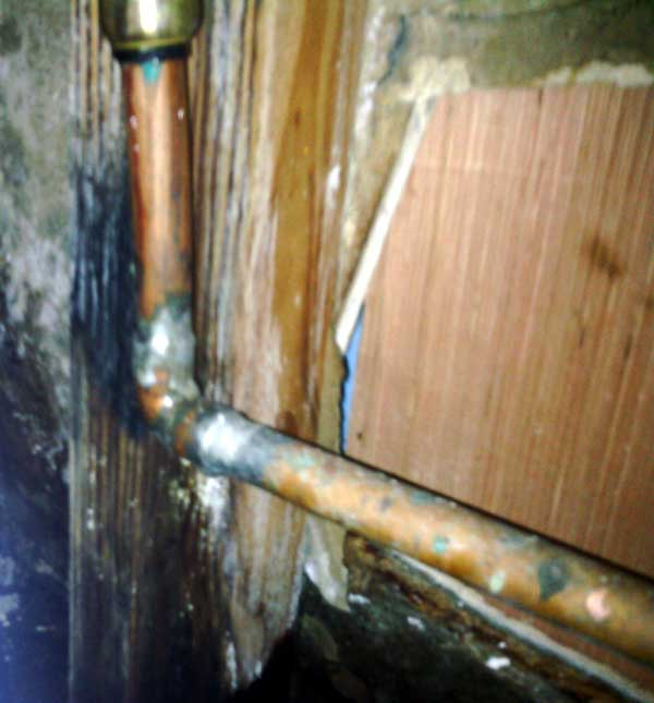 leaking-pipe-2